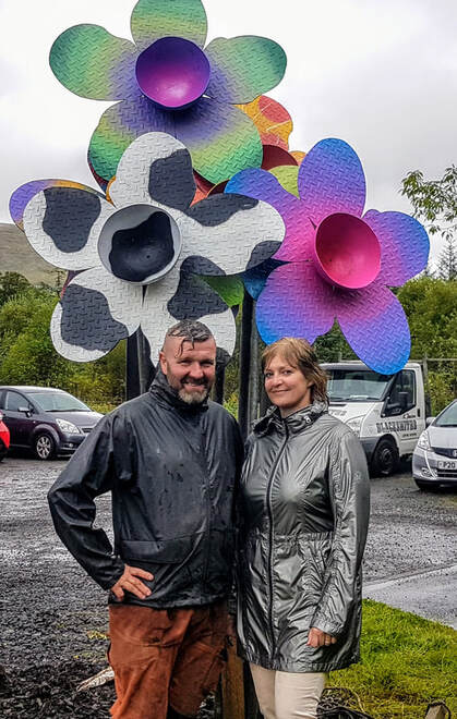 Kim Proven with Kev Paxton and his Weige Weeds sculpture