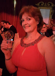 Kim Proven Chair of LETi picks up regional Scottish Thistle Award for Working Together Fot Tourism
